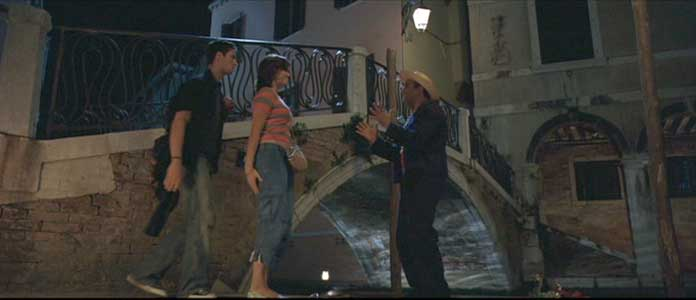 Anna and Ben are befriended by a gondolier