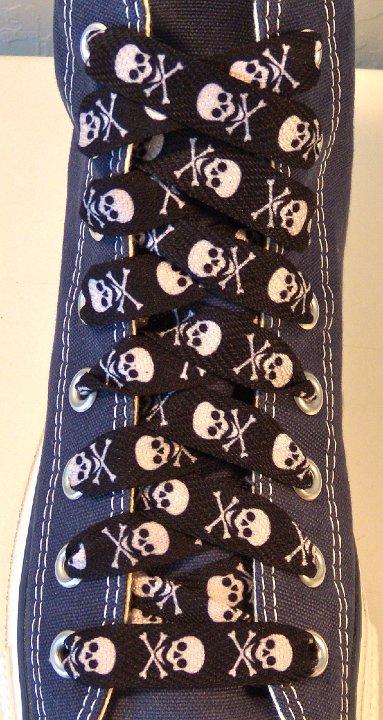 Skull Print Shoelaces on Chucks