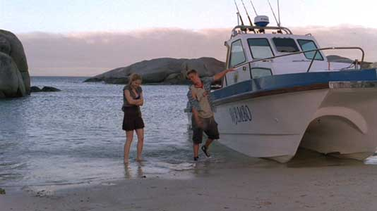 Danielle and Shane bring the boat to shore